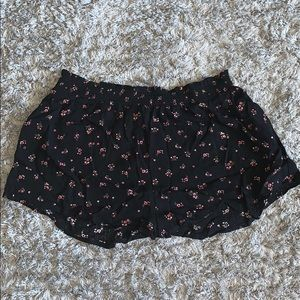 Kendall & Kylie Patterned Fabric Shorts